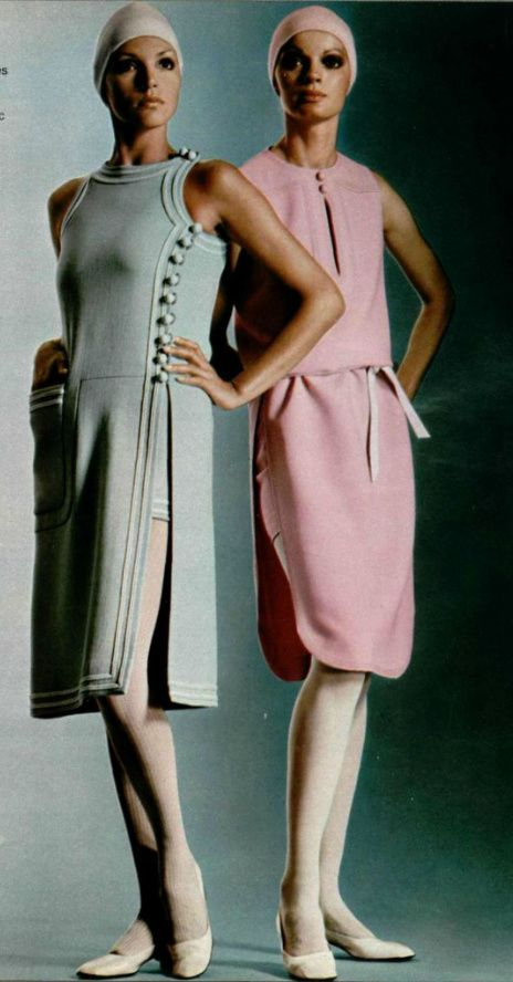 1971 Pierre Cardin 70s structured dress grey pink space age style designer day wear buttons photo print ad models magazine