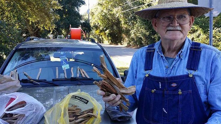 80-летний старик из США тронул до глубины сердца тысяч людей по всему миру, после того, как одна женщина поделилась его историей в Интернете. Кеннет Смит (Kenneth Smith) из штата Миссисипи тратит к…