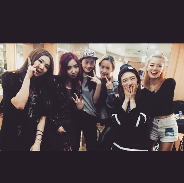 "Minzy's IG Update: ""With Crazy!!!!!!!❤️❤️❤️"""