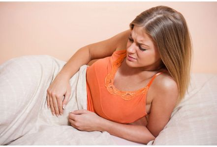 Fibromyalgie : la pathologie enfin expliquée. On a longtemps pensé que la fibromyalgie était de l'ordre du psychosomatique. Or des chercheurs semblent avoir découvert la cause de cette pathologie qui touche majoritairement les femmes.