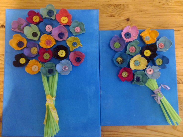 mooi bosje bloemen, gemaakt van eierdozen, rietjes en knopen