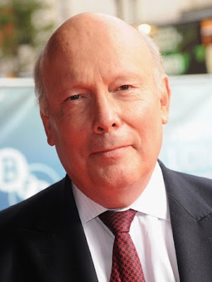Julian Fellowes Talks 'Titanic' Vs. 'Downton Abbey' http://www.downtonabbeyaddicts.com/2012/04/julian-fellowes-talks-titanic-vs.html