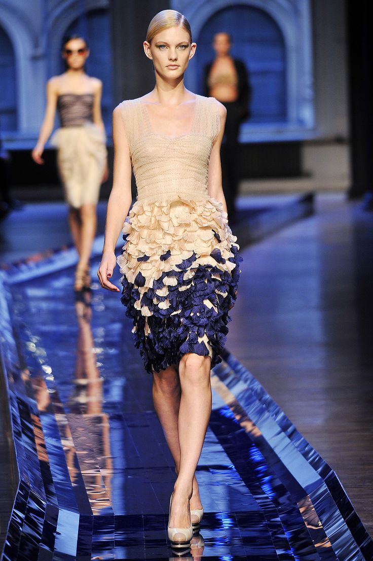 Jason Wu Spring 2011 RTW. Love the nude with the navy. Gorgeous dress.