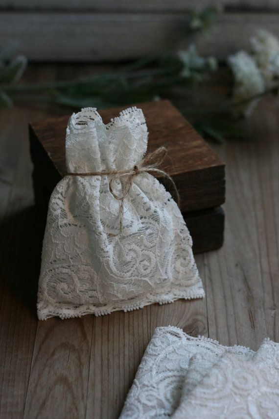 LaCe Wedding favor bags Ivory lace StyLe LeaF by kraftedheart, $72.50