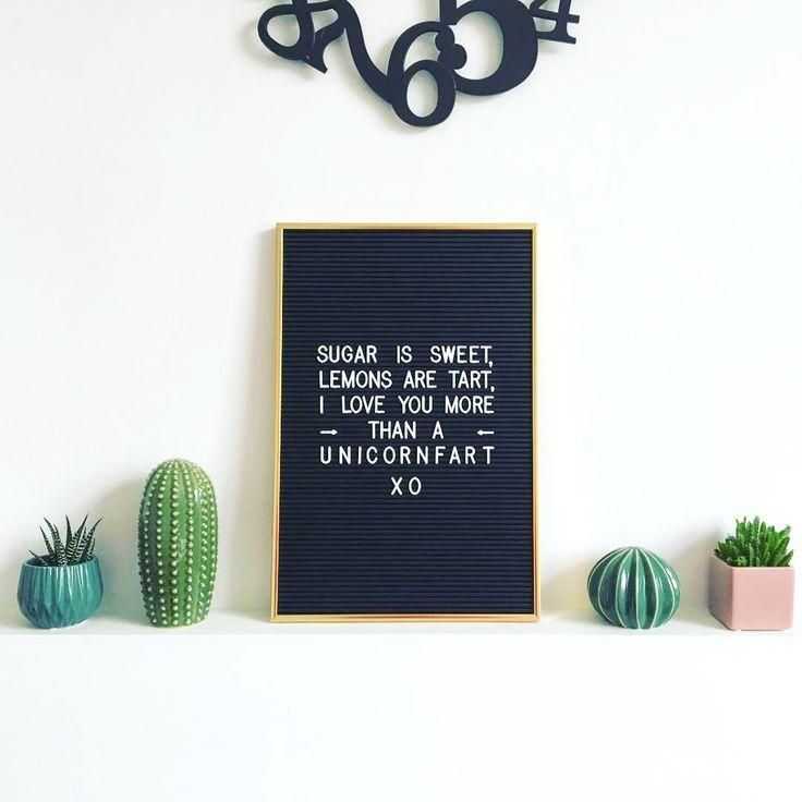 25 beste idee n over muur met lijstjes op pinterest foto hartenmuur decoratieve frames en - Decoreer een gang ingang ...