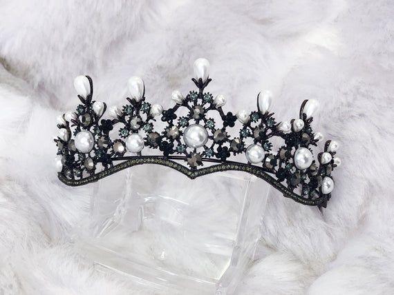 Black Bead Tiara,Round Wedding Tiara,Bridal Tiara,Wedding Accessory,Black Tiara,Bridal Headpiece,Black Tiara,Rhinestone Tiara,Wedding Crown