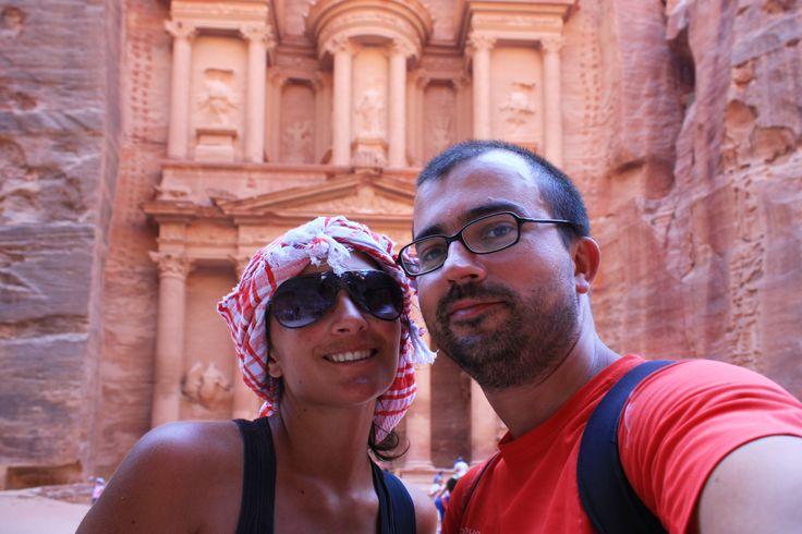Petra é, sem dúvida nenhuma, a maior atracção turística da Jordânia. Povoada desde a pré-história, foram no entanto os Nabateus que a eternizaram a cidade.