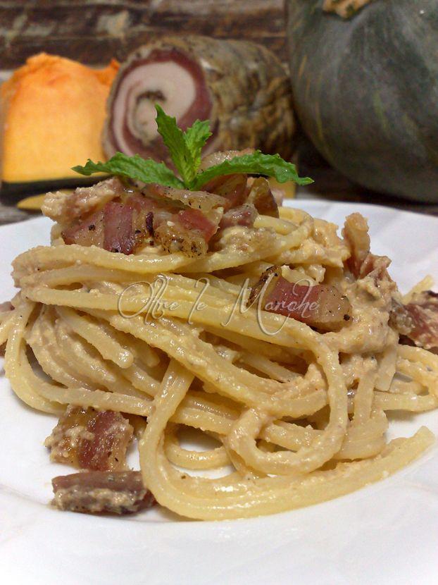 Pasta con Pesto di zucca e pancetta