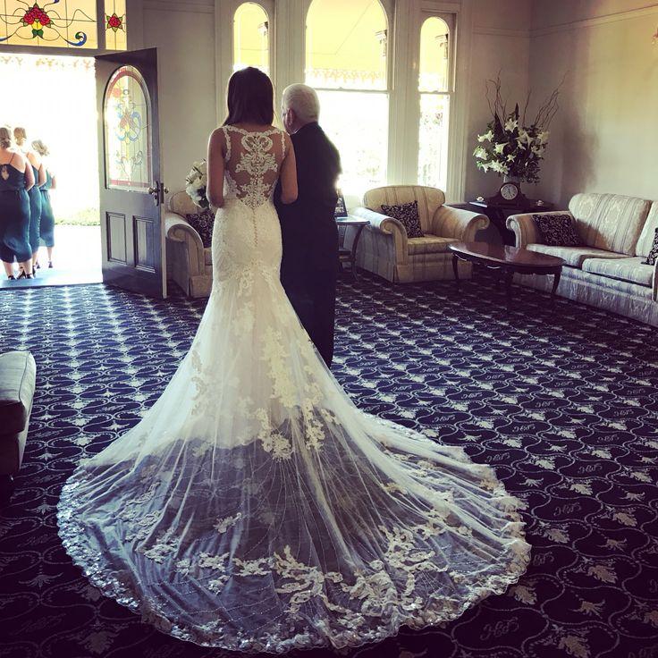 Stunning bridal gown 👰🏼  #gardenweddings #sydneyweddingvenue #heritagevenue #weddings #luxurywedding #historicvenue #bride #love