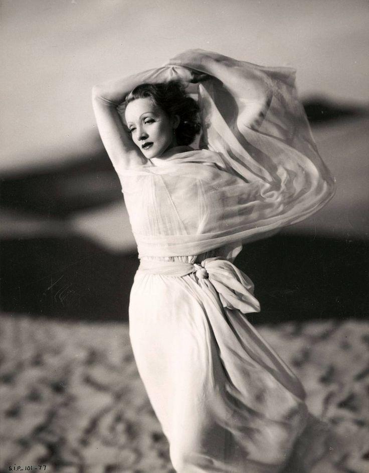 VINTAGE PHOTOGRAPHY: Marlene Dietrich (1901-1992) by Kenneth Alexander ...