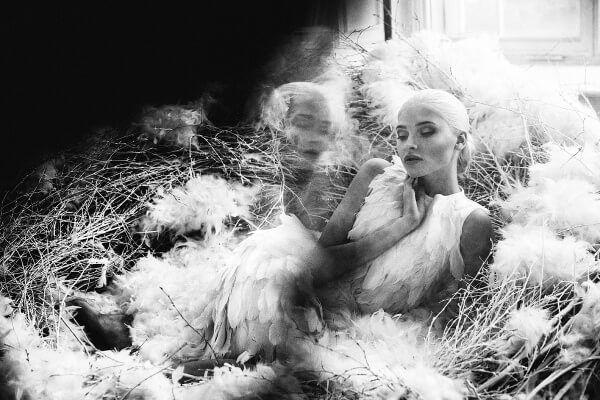 Фотосъёмка White More White — завораживающая и космическая история любви