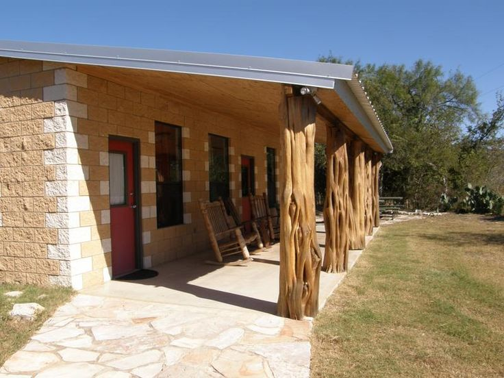 Frio river cabins cabins on the frio river lodging for Texas hill country cabin rentals