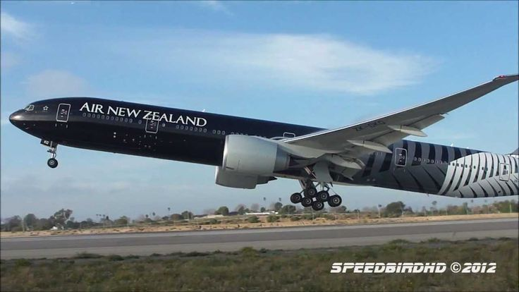Air New Zealand 'ALL BLACKS' Boeing 777-319(ER) at LAX - YouTube