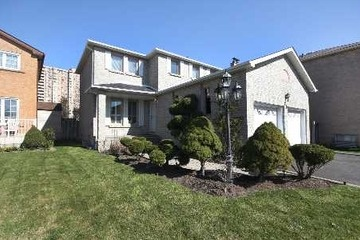 New Listing! For Sale: Detached - 3 bedroom beauty in Brampton - Priced at $429,900!    More info: http://www.planitrealestate.com/toronto/Brampton/993320