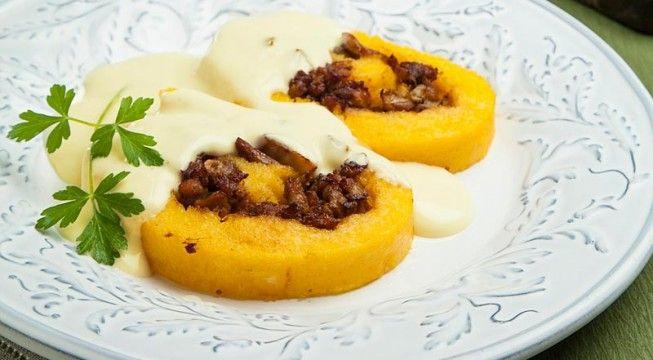 Strudel di polenta alla salsiccia e porcini | Alice.tv