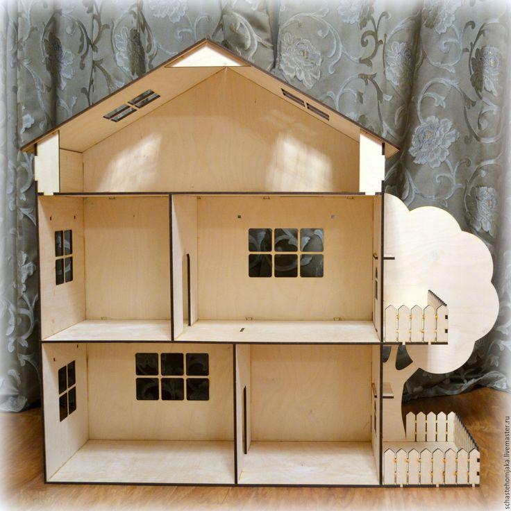 Купить или заказать Огромный кукольный домик. Деревянный в интернет-магазине на Ярмарке Мастеров. Деревянный кукольный домик выполнен из фанеры. Домик очень большой, в рост маленького ребенка. Высота 90 см, ширина дома 70 см, ширина дома с террасой и деревом 100 см, глубина 25 см, высота каждого этажа 30 см. Дверки - выходы на балкон и террасу открываются и закрываются. Есть дырочки для крепления карнизов. Можно также добавить подоконники и мебель за дополнительную плату.