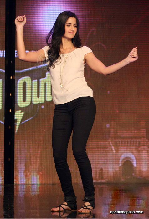 katrina kaif in jeans - Google Search https://www.fanprint.com/stores/how-i-met-yourmother?ref=5750