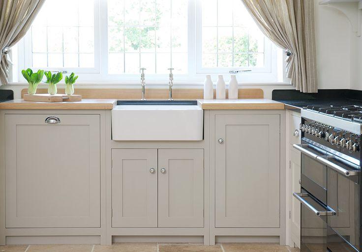 Shaker kitchens devol kitchens handmade english for Kitchen furniture esl