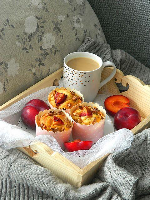 My simple kitchen: Muffinki ze śliwkami na śmietanie i 4 urodziny blo...