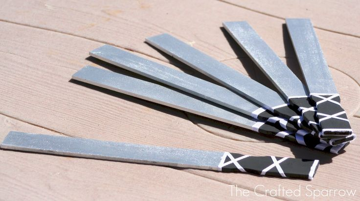 """""""Ninja swords"""" from paint stirrers--The Crafted Sparrow: Ninja Birthday Party"""