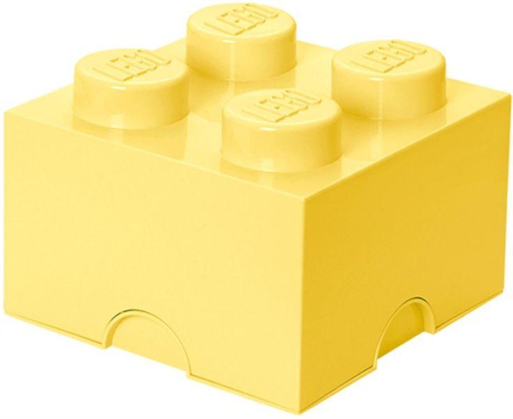Lego Förvaring 4 Design Collection Cool Yellow är en snygg och praktisk förvaringsmöjlighet som passar in i barnrummet eller i något annat rum i hemmet. Inred med roliga Lego-detaljer! Nu finns de klassiska förvaringsboxarna från LEGO i nya härliga färger som Stone Grey, Medium Azur, Aqua och Cool Yellow. En förvaringsbox utformad som en lego-kloss med fyra knoppar på ovansidan.<br><br>Material: Plast. <br><br>Mått: 24 x 24 x 15 cm. <br><br>Färg: Cool Yellow.