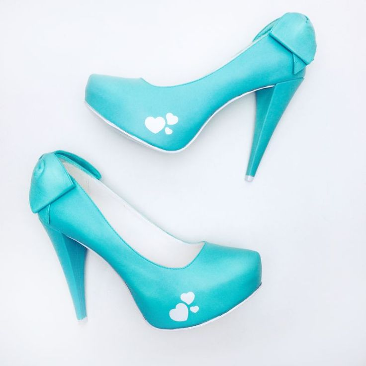 ♥♥♥  Lapupa Sapatos Personalizados A Lapupa faz sapatos para noivas personalizados, pintados à mão, exatamente do jeito que você sempre sonhou. Tudo isso com garantia de conforto e qualidade. http://www.casareumbarato.com.br/guia/lapupa-sapatos-personalizados/