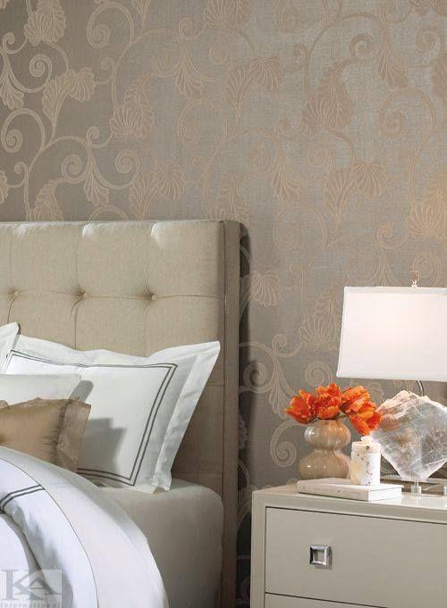 Tu ce tip de tapet ai alege pentru dormitor? Bogat in imprimeuri, clasic, mai elegant? Wallpaper Bedroom. Tapet dormitor.