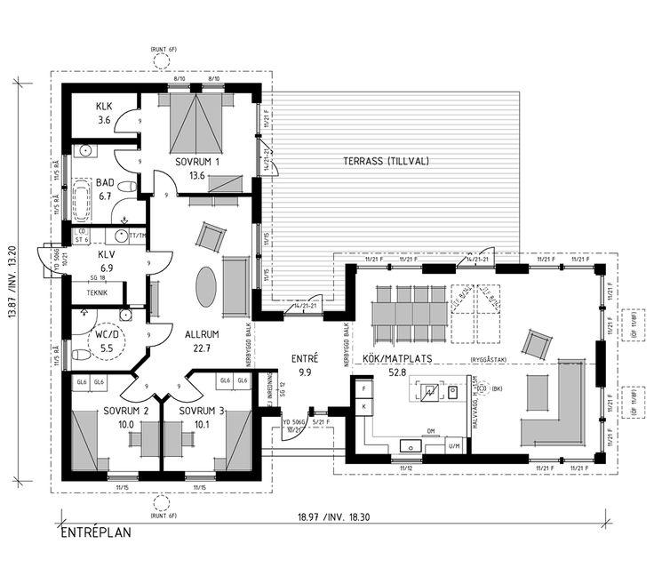 Härlig vinkelvilla med bra planlösning utan korridorer. Kök-vardagsrum på över 50 kvm och stor rymdkänsla, tack vare ryggåstaket. Här finns fönster åt tre håll och dessutom takfönster.