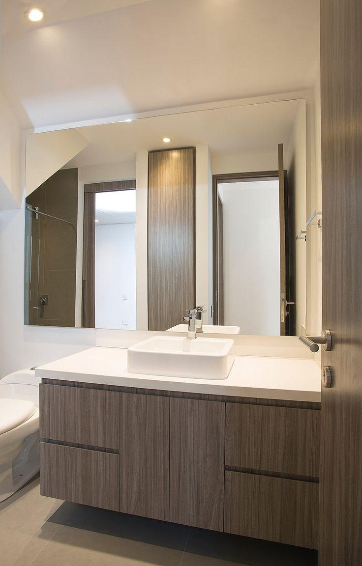 Remodelación Baños #DiseñoInteriores #ArquitecturaModerna #Minimalismo #Remodelacion #Arquitectura #Baños #Iluminación