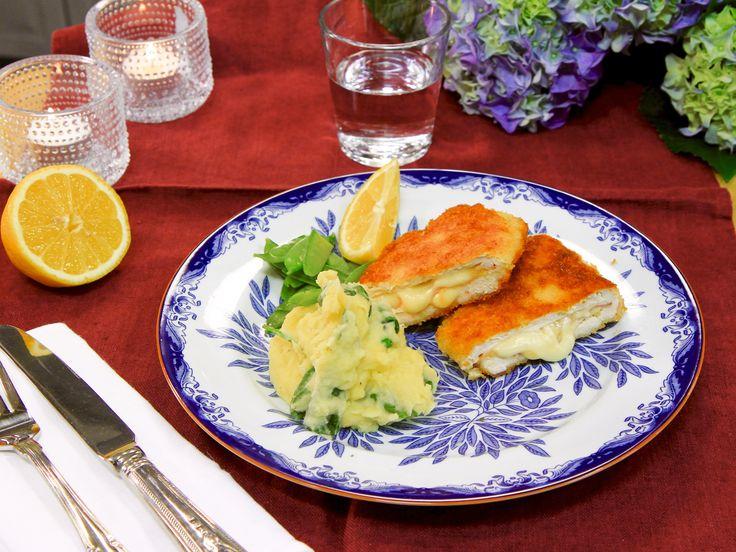 Kyckling cordon bleu med spenat- och vitlöksmos | Recept från Köket.se