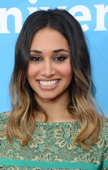 Meaghan Rath Bra Size, Age, Weight, Height, Measurements - http://www.celebritysizes.com/meaghan-rath-bra-size-age-weight-height-measurements/