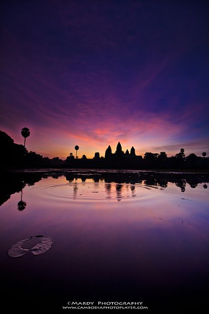 Sweetie Angkor Wat by Mardy Suong on Flickr.