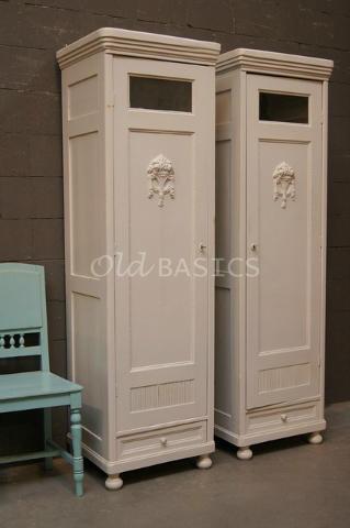 Set oude brocante smalle kasten. Mooie shabby chic / vintage stijl! Te koop bij www.OLD-BASICS.nl (webshop & grote loods vol unieke oude brocante meubels)