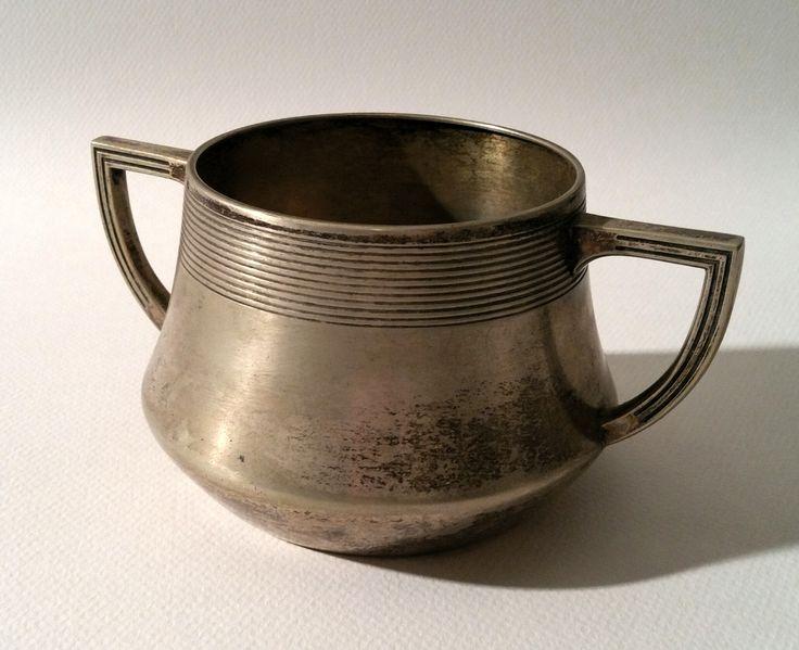 ilver-Plated Sugar Bowl H : 3.2 in. - 8 cm.  Diam : 3.5 in. - 9 cm.