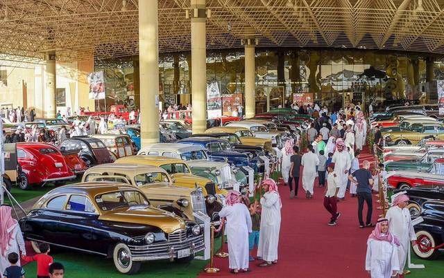 بالصور 400 سيارة كلاسيكية يعود بعضها لـ100 عام في مهرجان القصيم اختتتمت فعاليات مهرجان القسيم للسيارات الكلاسيكية و Landmarks Street View Scenes