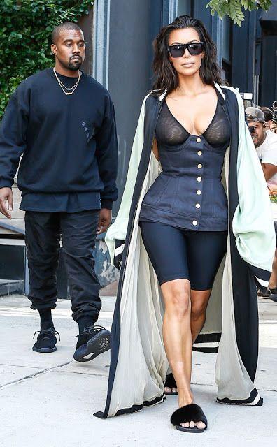 """Kim Kardashian fala sobre silicone e psoríase   Kim Kardashian West que está quase chegando ao seu peso ideal abriu de vez o jogo e falou a verdade sobre seu bumbum.Kimmy revelou em seu aplicativo que se submeteu a injeções de metacril no seu famoso bundão.Vale lembrar que ela foi por anos especulada pela imprensa e pelos fans se tinha silicone no seu big Ass.A socialite ainda falou da psoríase que herdou de mamãe.""""Agora algumas vezes por ano eu tomo uma injeção de cortisona para combater a…"""