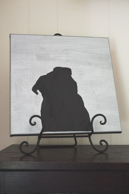 DIY Silhouette Canvas Art http://www.thepugdiary.com/diy-silhouette-canvas-art/