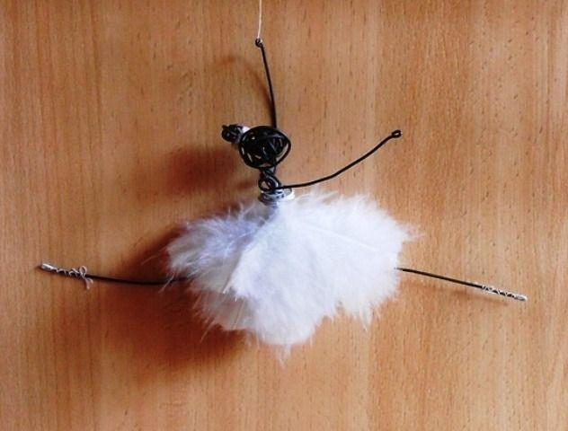 Danseuse fil de fer robe plumes blanches - saut écart : Accessoires de maison par atout-haz-art