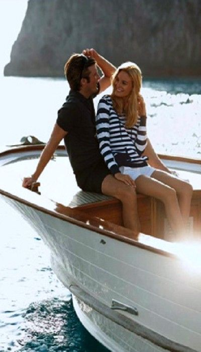 Nautical Style, white, Blue, Sweater, Stripes, Shorts, Capri ... and surprise him with hints from the book BUTTERFLY HABITS. Claim the first chapters FREE of charge at www.butterflyhabits.com