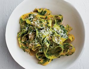 Dr. Andrew Weil's fettuccine with kale pesto | from his True Food Kitchen restaurants