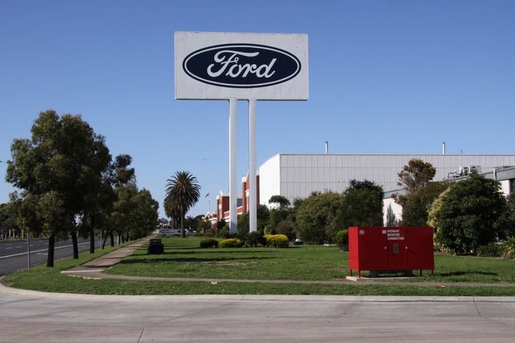 The big Ford sign on the Princes Highway | Flickr - Photo Sharing!