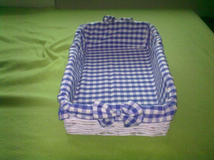 Košík z novin