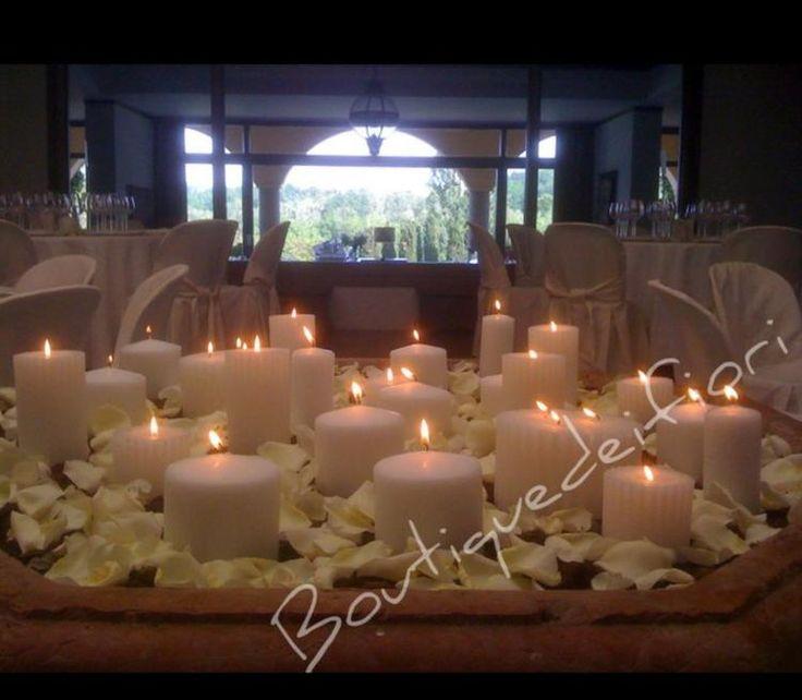 candele per lampadari : Oltre 1000 idee su Petali Di Rosa Matrimonio su Pinterest Confetti ...