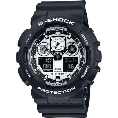 Prático e funcional, o Relógio G-Shock GA-100 Branco e Preto é o acessório ideal para completar suas produções esportivas. Resistente à água, possui 29 fusos horários, cronômetro, temporizador, alarmes e calendário. | Netshoes