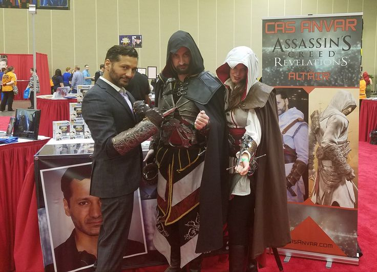 Prize winner on Assassin's Creed came to visit Cas Anvar some brotherhood at Wizard World.