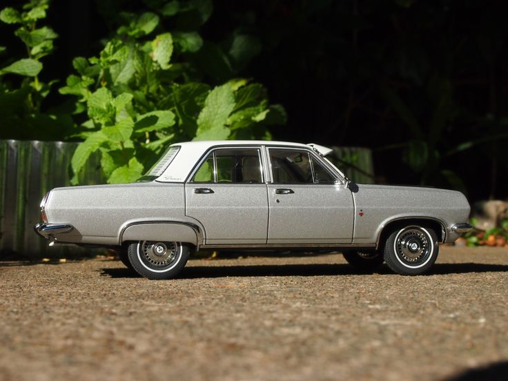 HR Holden Premier - 1/18 Biante