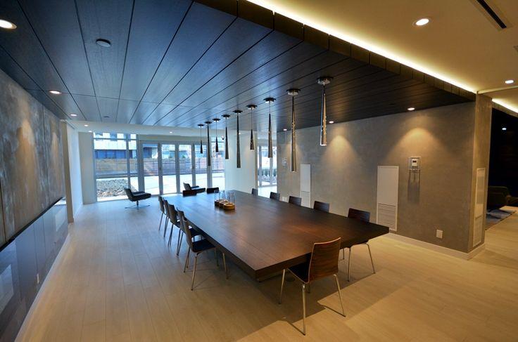 One-Park-Place-Regent-Park-Amenities, Regent Park Life, RPL, dining area, meeting area, wooden table