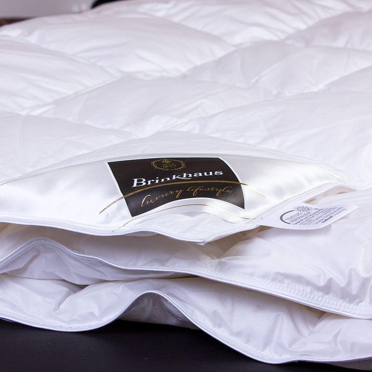 Демисезонное пуховое одеяло Chalet от Brinkhaus (Германия) Наполнитель 100% белый крупный гусиный пух. Чехол из батиста. #одеяло #пуховоеодеяло #домашнийтекстиль #элитныеодеяла #элитныйтекстиль #интернетмагазин #спальня #постельноебелье #салонелсон #Brinkhaus