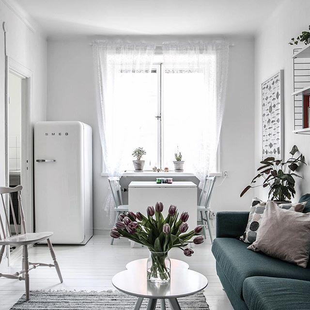 ★ Hallandsgatan 46B Ansvarig Mäklare: Evelina Schmekel———————————————————————— #interior #interiordesign #nordiskahem #södermalm #home #realeatate #livingroom #scandinavianhome #interiordecor #interiØr #bedroom #photooftheday #interior4all #interiors #interior123 #design #room #roomforinspo #instahome #skandinaviskehjem #m #interiorforyou #interiordetails #instagood #retro #vintage #homedecore #homesweethome #instaday
