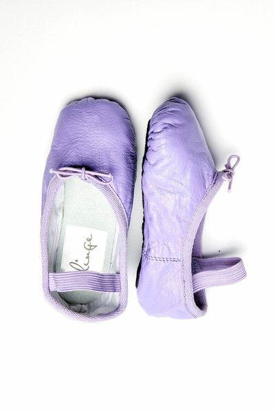 { Baby/Kids Purple Ballet Shoe }